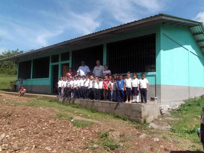 Proyectos que apoya amigos de honduras ee uu for Proyectos de construccion de escuelas